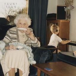 Yawny yawn / Bill Ryder-Jones, aut., comp., chant, p. | Ryder-Jones, Bill. Parolier. Compositeur. Chanteur. Piano